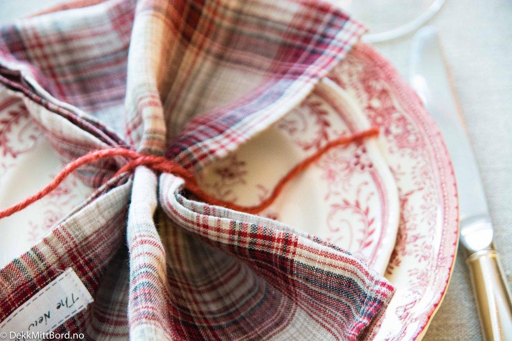 utleie-servise-fest-bryllup-konfirmasjon,utleie-servise,utleie,fest,konfirmasjon,bryllup,dåp, vintage,vintage-dekketøy,servise, pent-bord, borddekking, jul